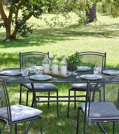Garden furniture garden furniture to suit your home for Gardening tools john lewis