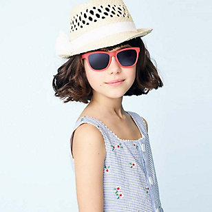 Girl in sunglasses and hat