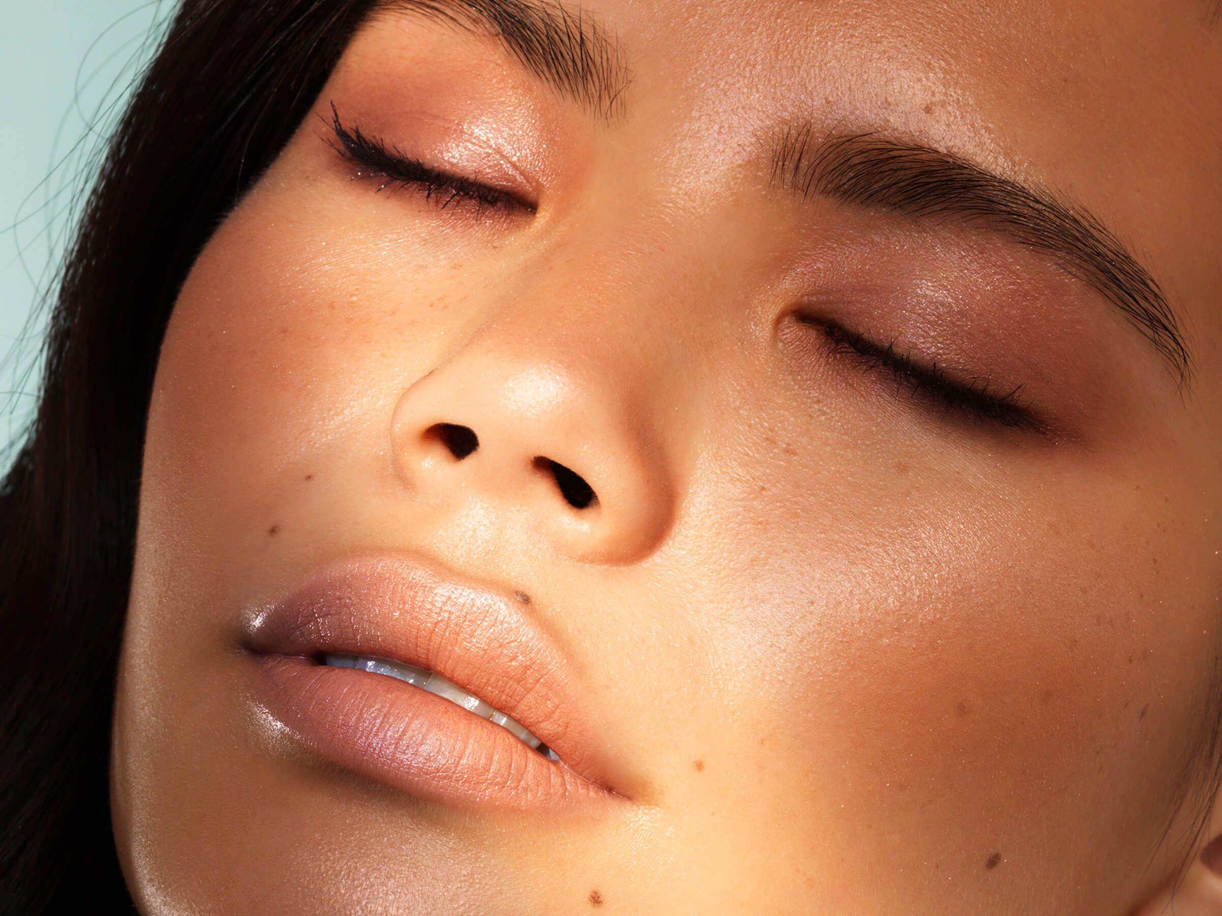 Plum eyeshadow beauty trend on model