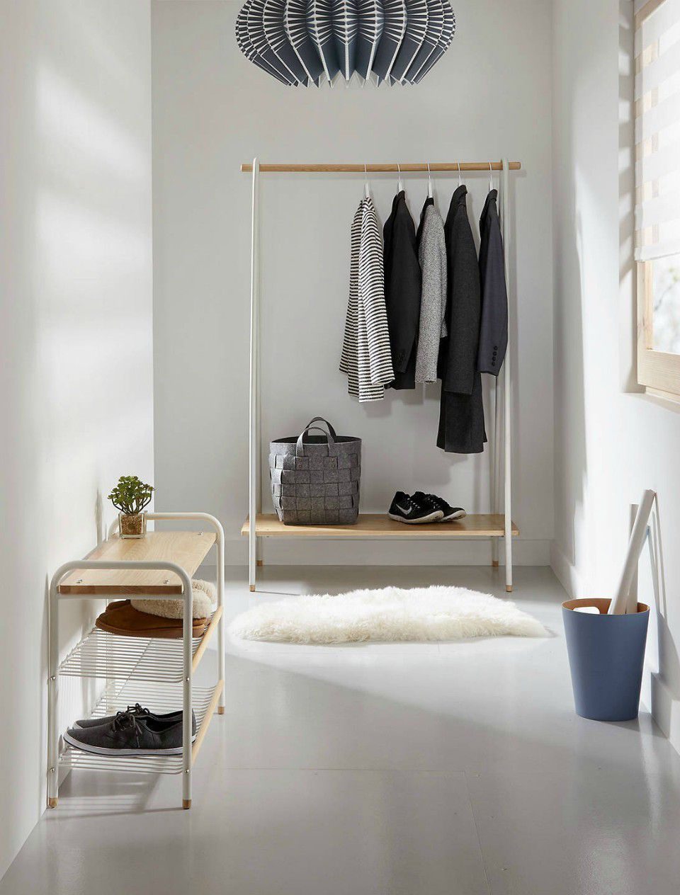 Storage clothes rail