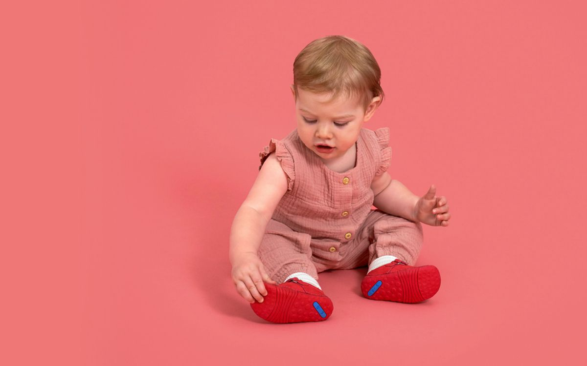 how to measure children's feet at home