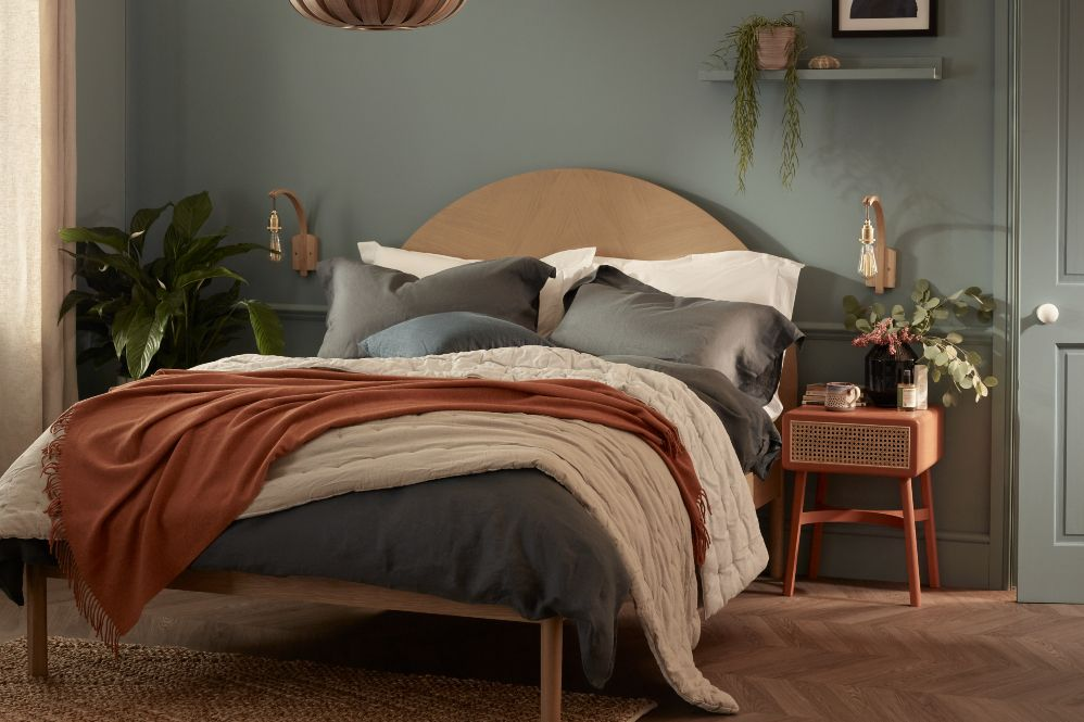 Choose the right mattress for you, unmade bed