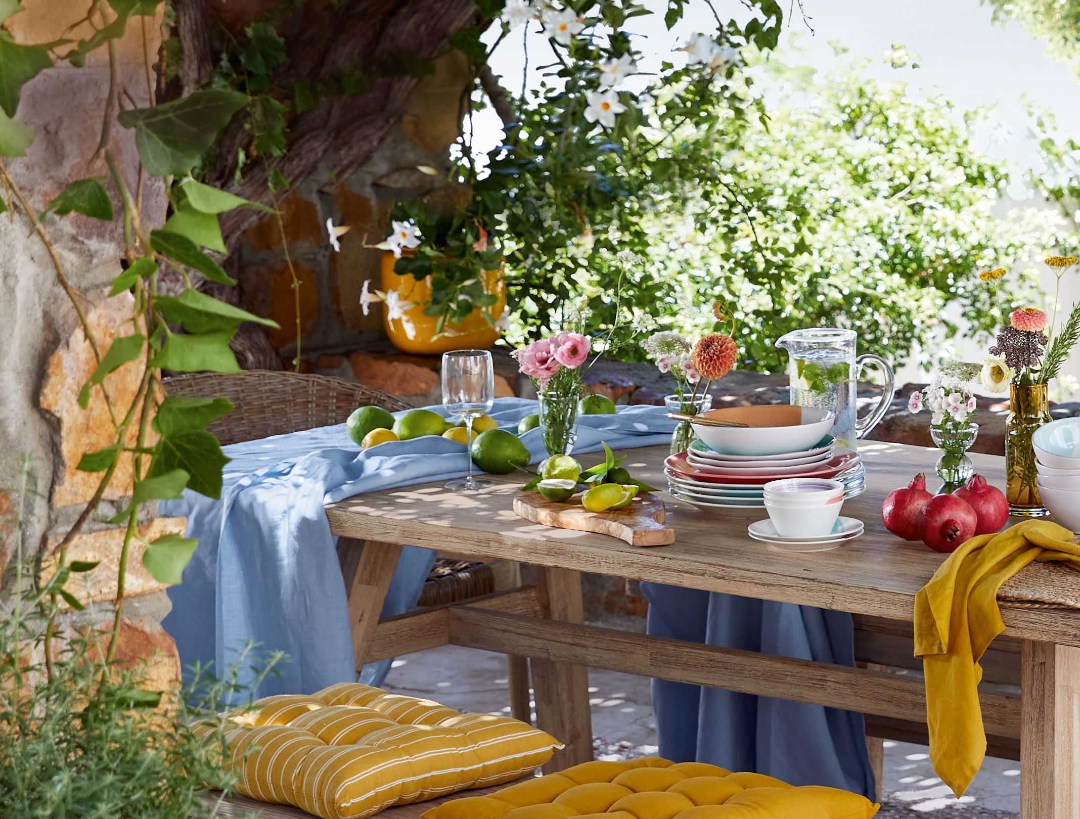 how to style your outdoor table